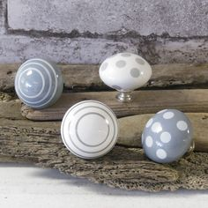 French grey drawer knobs can also be used as hooks. Why not try these on a piece of driftwood to hang your jewellery and give your house a natural coastal feel!