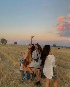 Cute Friend Pictures, Best Friend Pictures, Friend Pics, Summer Dream, Summer Girls, Summer With Friends, Summer Baby, Photo Adolescent, Photographie Indie