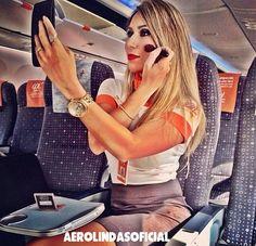 Comissária de voo , Thiarê da Gol Linhas Aéreas  ✈️❤️  #travellerslife#Aerolindas#Aerolindasoficial#Aerolindas_oficial#voar#aeromoça#cabincrew#stewardess#flightattendant#comissárias#comissariasdebordo#overheadbin#crewlife#vidadeaeromoça#flyway#airhostess#azafata#azafatadevuelo#comissariadebordo#aroundtheword#revistatripulante#Viewfromthetop #GolLinhasAereas #Vintage #Retro