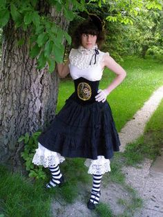 Steampunk/Victorian/Lolita/Underwear - madness you can't resist (picture heavy) - CLOTHING - love the top half, prefer a different skirt
