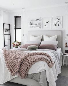 Modern Bedroom Ideas Which Meet Comfort. Beautiful Bedroom Decor Ideas for Girls. Vintage Bedroom Decor, Home Decor Bedroom, Bedroom Ideas, Bedroom Inspiration, Bedroom Furniture, Vintage Teen Bedrooms, Bedroom Decor For Women, Furniture Dolly, Furniture Makeover