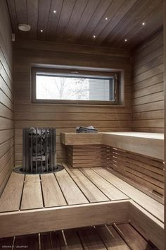 Basement Sauna, Sauna Room, Bathroom Design Layout, Bathroom Design Inspiration, Steam Room Shower, Modern Saunas, Sauna Lights, Indoor Sauna, Sauna House
