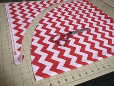 @Carissa Fazio   tutorial: diy tree skirt. — Holly MarshMueller