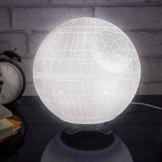 The Death Star Mood Light makes an ideal accessory for your desk or bedside table. There's something of a contradiction in having a light that's powered by the Dark Side of the Force, but this Star Wars themed mood lamp will provide years of Mood Light, Night Light, Light Up, Lampe Star Wars, Star Wars Zimmer, Cadeau Star Wars, Design3000, Mood Lamps, Star Lamp