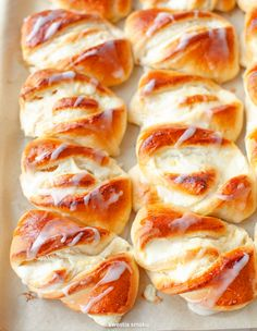 Sweet Recipes, Cake Recipes, Dessert Recipes, Bread Recipes, Yummy Recipes, Bacon Breakfast, Breakfast For Dinner, Cheese Buns, Cheese Cakes