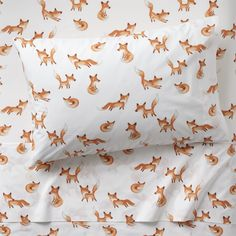 Shop Twin Fox Sheets. This sly little fox sheet set has a few tricks up its sleeve. It's made from 100% organic cotton and features a playful crowd of printed foxes.