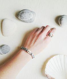 Shell Friendship Bracelet | DIY #diy #jewelry #shells #beach #friendshipbracelet