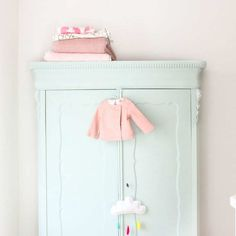Beautiful mix of pink and mint | 10 Pretty Pastel Girls Rooms - Tinyme Blog