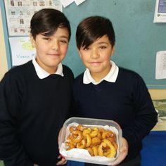 Rosquillas Xavi e Saúl Food, Donut Holes, Essen, Meals, Yemek, Eten