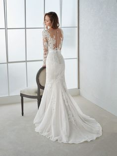 2019 V-neck, Long Sleeves, Mermaid Lace, Wedding Dresses with Applique . - Brautkleid a linie - The Best Wedding You Deserve Lace Wedding Dress With Sleeves, V Neck Wedding Dress, Wedding Dresses 2018, Lace Mermaid Wedding Dress, Long Sleeve Wedding, Mermaid Dresses, Bridal Dresses, Dresses With Sleeves, Lace Sleeves