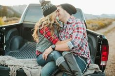 plaid flannel pickup #comfycute #engagmentshoot