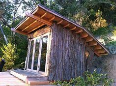 gartenhaus ideen bungalow mit naturholz wandverkleidung
