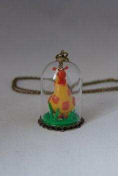 https://www.etsy.com/fr/listing/226343242/sautoir-girafe-pendentif-cloche-en-verre?ref=shop_home_feat_1