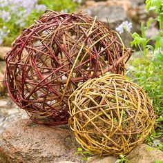'BHG' shows how to make a garden globe from yard cuttings.