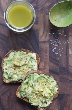 Avocado on Toast & Green Juice // Sacramento Street