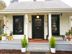 Ideas For Old Farmhouse Remodel Before And After Exterior Small Cottage Homes, Cottage House Plans, Cottage Lighting, Home Exterior Makeover, Exterior Remodel, Yellow Houses, Farmhouse Remodel, Up House, House Front