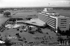 Vista panoramica del Hotel El Embajador. Ciudad Trujillo , Republica Dominicana Imagen del año 1959. Fuente : Agn / IDNH