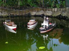 Learn about making your own small propeller by clicking the picture. Tugboats, Make Your Own, How To Make, Ships, Miniatures, Models, Toys, Pictures, Templates