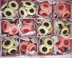 sweet16 18 Wedding Cakes, Favorite Recipes, Cookies, Christmas, Food, Ideas, Wedding Gown Cakes, Crack Crackers, Xmas