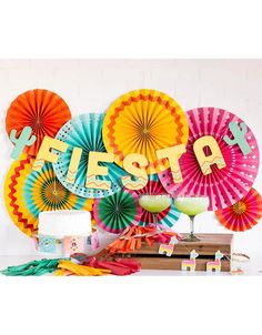 Festive fiesta backdrop decoration ideas featuring bright paper fans and banners. Perfect for Cinco de Mayo celebration or Taco Tuesday themed party! Mexican Birthday Parties, Mexican Fiesta Party, Fiesta Theme Party, Festa Party, Birthday Party Themes, 21st Birthday, Mexico Party Theme, Cool Party Themes, Taco Party