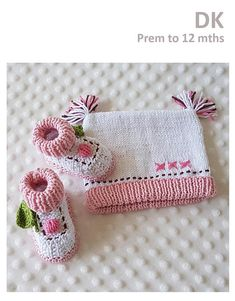 Cupcake Booties and Beanie - Prem to 12 months ~ easy level ~ written instructions and photos ~ PURCHASED pattern - KNIT Easy Knitting Patterns, Weaving Patterns, Knitting Stitches, Baby Knitting, Knitting Ideas, Crochet Baby Boots, Crochet Kids Hats, Knit Hats, Double Knitting
