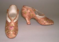 Slippers Designer: F. Pinet, Paris (French, founded Date: 1910 Culture: French Medium: silk Dimensions: Length: 9 in. cm) Credit Line: Gift of Miss Susan W. Edwardian Shoes, 1920s Shoes, Edwardian Fashion, Vintage Fashion, Timeless Fashion, Vintage Boots, Vintage Outfits, Vintage Clothing, Bijoux Art Nouveau