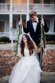Formally Casual Cedarwood Wedding :: Emily+Evan | Cedarwood Weddings