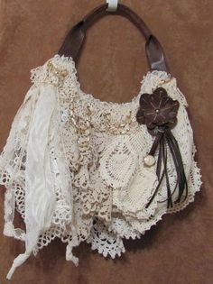 Fondly called a doily Mop purse, this purse has a fun and funky look - youre going to want to carry it everywhere!    Ive covered this green