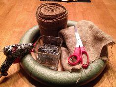 The Decorating Dork: Burlap Wreath (Tutorial) Making Burlap Wreaths, Easy Burlap Wreath, Fall Wreaths, Christmas Wreaths, Door Wreaths, Christmas Decorations, Crafts To Do, Fall Crafts, Diy Crafts