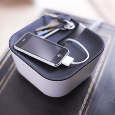 Keep your cables tidy with this handy cable concealing box!
