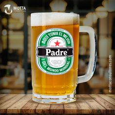 PLANTILLAS PARA TAZAS Y CAMISETAS CERVEZAS DÍA DEL PADRE #cincoXuno Fathers Day Crafts, Happy Fathers Day, Bussines Ideas, Father's Day Diy, Dad Day, Beer Mugs, Vintage Tags, Diy Stickers, Happy Birthday Cards