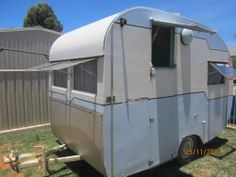I want one of these precious little trailers for my backyard craft space...