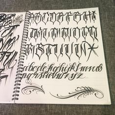 Ideas Tattoo Fonts Alphabet Graffiti For 2019 Chicano Tattoos Lettering, Tattoo Lettering Styles, Graffiti Lettering Fonts, Wörter Tattoos, Tattoo Script, Creative Lettering, Script Lettering, Graffiti Tattoo, Lettering Design