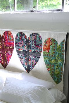 Amy Butler's Bright Heart Cotton Quilt - FREE quilt pattern available now!