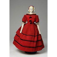 Mae needs this dress