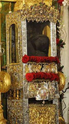 Λειψανοθήκη (ΚΤ) Oversized Mirror, Saints, Catholic Churches, Home Decor, Decoration Home, Room Decor, Home Interior Design, Home Decoration, Interior Design