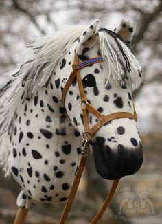 Miulla on ollu ihan hirveetä kiirettä taas vaihteeks tää koko loppukevät ja alkukesä, tällä kertaa sirkuksen parissa. Kävin sekä Lahdessa et... Horse Stables, Horse Tack, Breyer Horses, Horse Galloping, Stick Horses, Welsh Pony, Fabric Animals, Horse Crafts, Hobby Horse