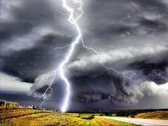 Lightning in a Tornado! Tornados, Thunderstorms, Weather Storm, Wild Weather, Storm Wallpaper, Wallpaper App, Fuerza Natural, Lightning Strikes, Lightning Bolt