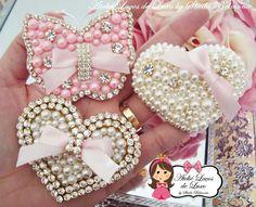 Headbands for girls Baby Headband Holders, Diy Baby Headbands, Diy Headband, Baby Bows, Bead Embroidery Tutorial, Bead Embroidery Patterns, Bead Embroidery Jewelry, Beaded Embroidery, Diy Bow