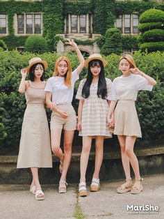 the dress on the very left is pretty but you're gonna need a stiffer fabric Korea Fashion, Kpop Fashion, Cute Fashion, Asian Fashion, Girl Fashion, Fashion Looks, Fashion Outfits, Fashion Trends, Estilo Preppy