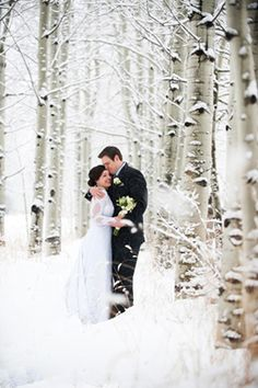 Praise Wedding » Wedding Inspiration and Planning » 23 Dreamy Winter Wedding Photos