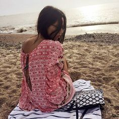 """Summer in South America ❤️ Luli and her bag """"Didi Blanco y Negro""""."""