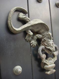 iguana door knocker shared by Marc Wisniak fromEl Cabrero, Cartagena, Bolivar | Flickr - Photo Sharing!