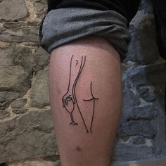 30 tatuagens femininas que celebram a aceitação do corpo