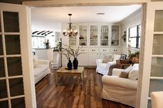 ♥ the built ins, floors, slipcovers, texture.