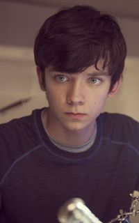 Asa Butterfield as Maven Calore