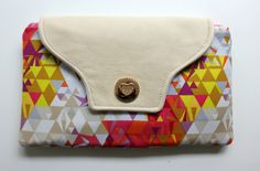 Hi Everyone! Today I want to introduce you to my new pattern the Panic Clutch! Let me give you some back story on how this fabulous clutch got its name… At the end of December on the day of m…
