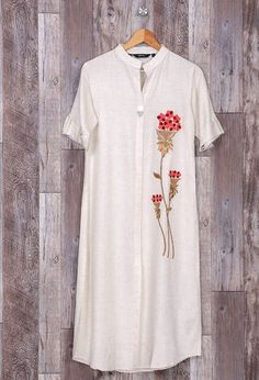 Beautiful cotton kurti with beautiful embroidery. Embroidery placement and khaka are superb. Embroidery On Kurtis, Hand Embroidery Dress, Kurti Embroidery Design, Embroidery Suits, Embroidery Tattoo, Embroidery Needles, Embroidery Fabric, Embroidery Patterns, Machine Embroidery