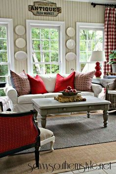 Savvy Southern Style: A Change of Colors in the Sun Room. {Home Décor Red Design Decorating Ideas Pillows Cushions Living} Living Room Red, Home And Living, Living Room Decor, Simple Living, Country Family Room, Country Cottage Living Room, Family Rooms, Kitchen Living, Modern Living