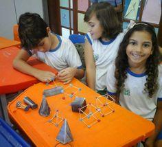 Blog do Inayá: Turma 406 da Professora Simone Drumond monta Sólidos Geométricos